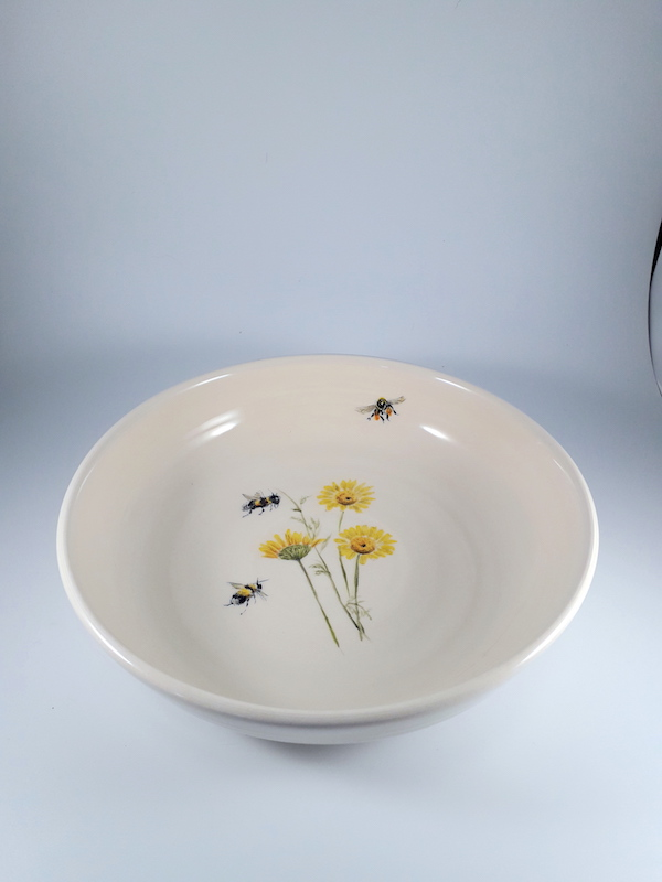 Flowers and bees bowls