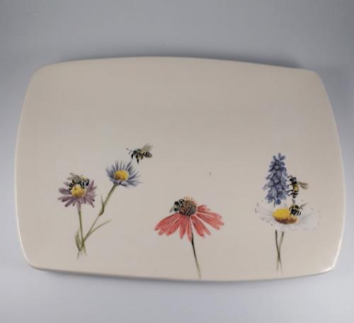 Flowers and bees tray